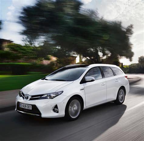 toyota auris gebrauchtwagen benziner und hybride verkaufen sich schnell gefragte