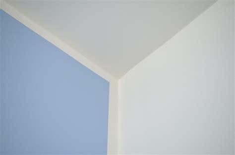 Wand Gleichmäßig Streichen by Wand Streichen Mit Rand Farblich Streichen By