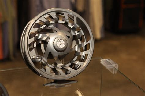 orvis mirage fly reel    usa