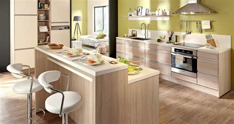 mod鑞e de plan de travail pour cuisine modele de cuisine en bois clair mzaol com