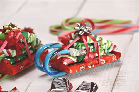 Easy Candy Cane Sleighs With Candy Bars!