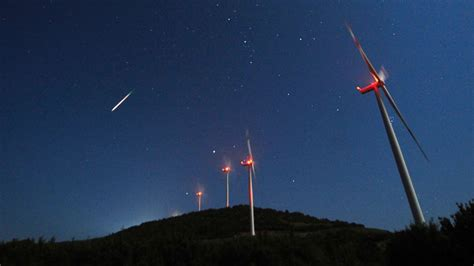live of perseid meteor shower perseids meteor shower when to the dazzling show