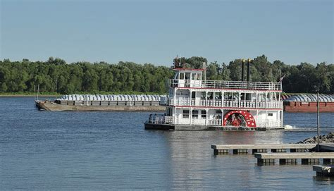 4 Day Mississippi River Boat Cruise by Pearl Button Boat Won T Return To Muscatine Economy