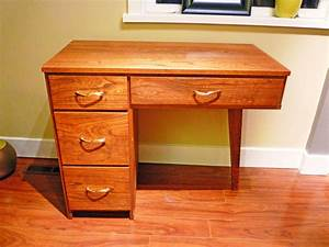 Small Desk With Drawers For Bedroom — The Decoras