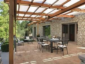 Construire Sa Pergola : pergola bois fer ou aluminium faire construire sa maison ~ Dode.kayakingforconservation.com Idées de Décoration