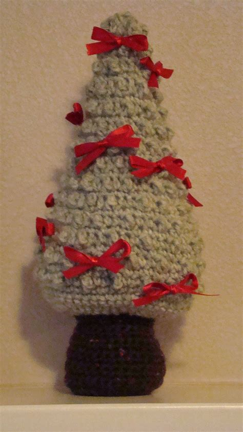 christmas crafts crochet christmas tree makes great home