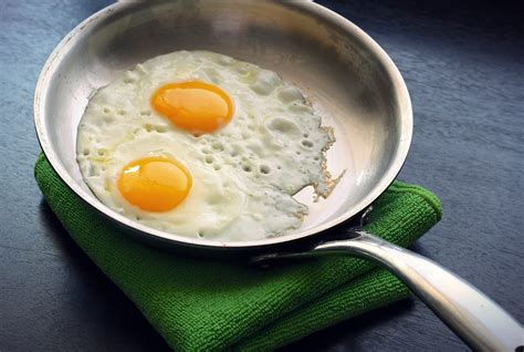 pan eggs cooking steel clad egg frying pans skillet cookware stainless r2 ns nonstick easy last into