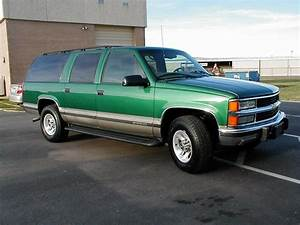 1999 Chevrolet Suburban - Overview