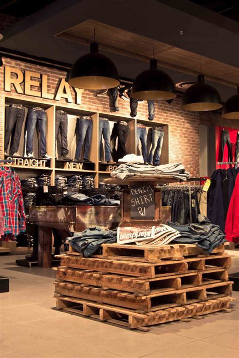 clothing store display ideas  teen shoper
