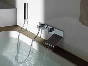 le robinet cascade en 70 photos archzinefr With carrelage adhesif salle de bain avec robinet cascade a led