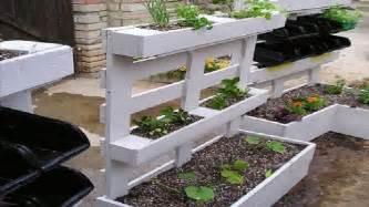 Palette Jardin by Palettes Bois Pour Construire Un Jardin Potager Suspendu