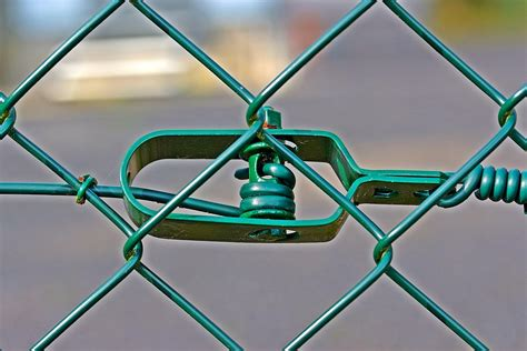 wire mesh fence tensioner  photo  pixabay