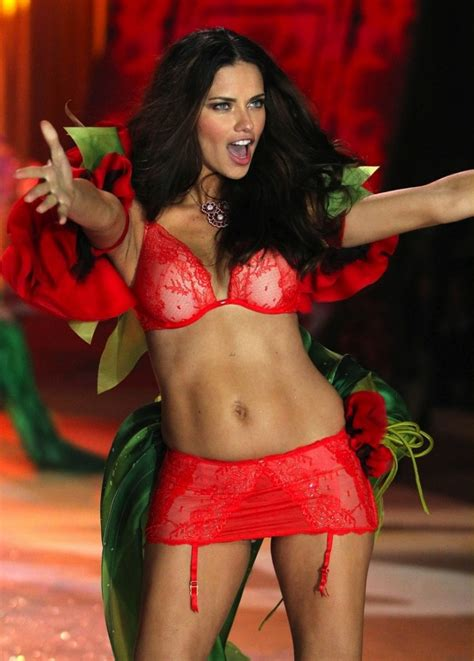 How Adriana Lima Got Her Body Back Weeks After Baby Huda Beauty Makeup And Beauty Blog