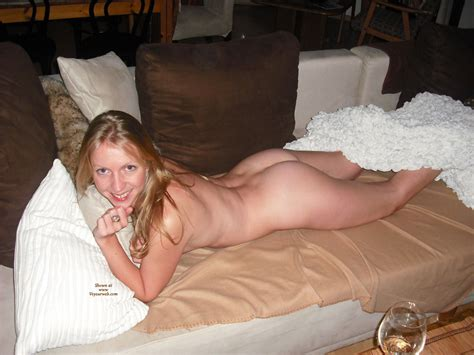 Nude Girlfriend Lying On Couch Belly Down September