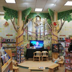 Barnes And Noble Greenville by Barnes Noble Booksellers 18 Reviews Stores
