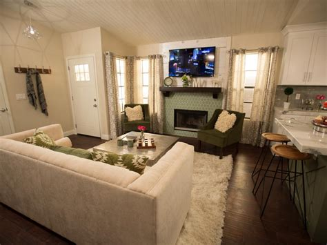 size challenged home  vegas cottage glam flip