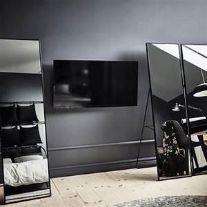 Fernseher Wand Gestalten : ein fernseher an der wand l sst sich gut hinter standspiegeln verstecken wir haben hier 3 ~ Eleganceandgraceweddings.com Haus und Dekorationen