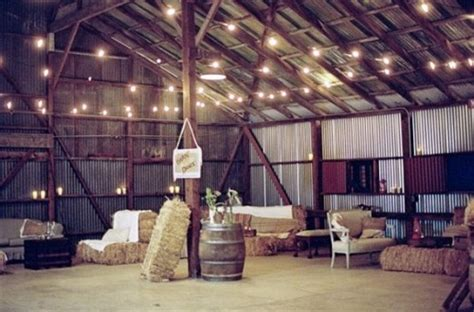 Barn Wedding Decorations : 20 Of The Cutest Rustic Barn Weddings