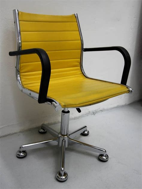 chaises jaunes ten 1950s chairs in the style of charles eames for sale at