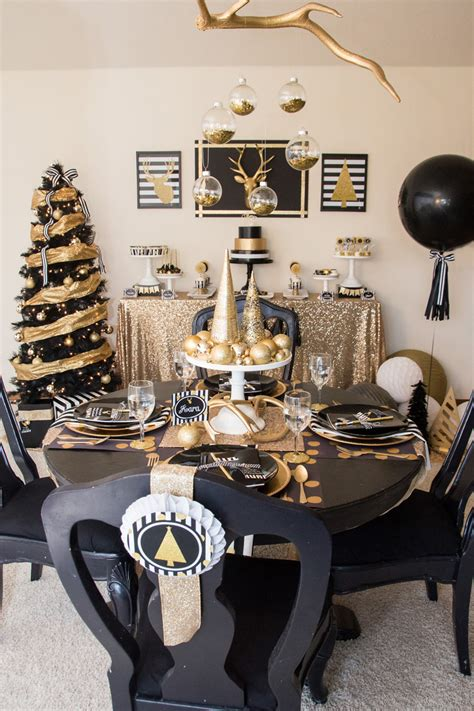 black and gold tablescape christmas table decorations c