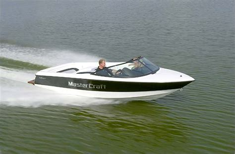 Small Ski Boat by Mastercraft Prostar 19 Skier Clean And Classic Boats