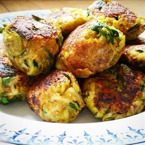 cuisiner les courgettes jaunes boulettes végétariennes courgettes oignons et curry par