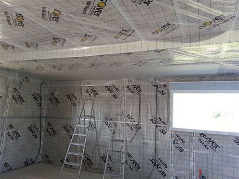 pose des fourrures au plafond et de la membrane optair l