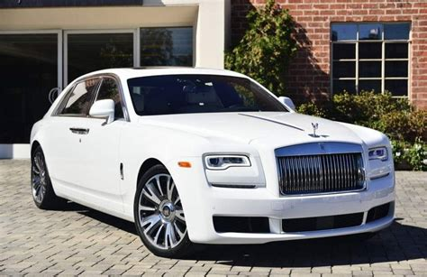 rolls royce ghost insurance rates finder