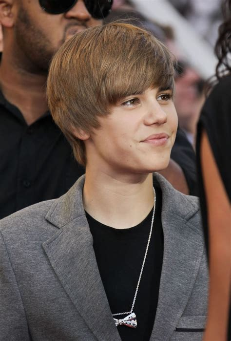 Funny Picture Clip Justin Biebers New Hairstyle Bowl