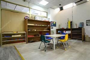 몬테소리 유치원 유치원 교실 — 스톡 사진 #59853889