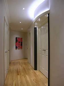 quelle couleur peindre les portes maison design bahbecom With nice couleur peinture couloir sombre 1 quelle couleur peindre un couloir maison design bahbe