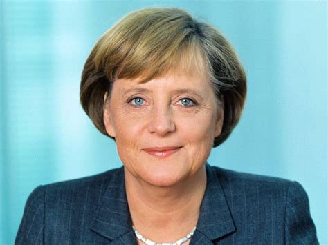 """Latest angela merkel news as she forms a german coalition government plus her stance on trump, macron, putin and the eu, and more on her cdu party. Angela Merkel: """"No ai matrimoni gay""""   lafedequotidiana.it"""