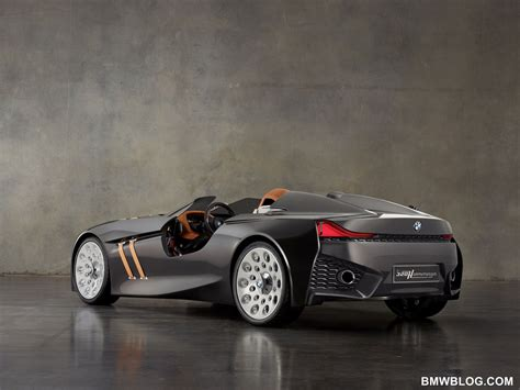 bmw  hommage concept car unveiled  celebrate brands