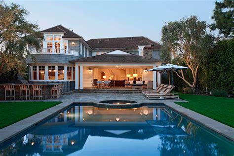 20+ Outdoor Living Room Designs, Decorating Ideas