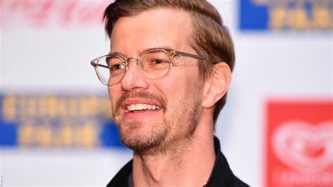 Joachim joko winterscheidt is a german television host, producer and actor. Hot or not? Joko Winterscheidt posiert splitterfasernackt ...