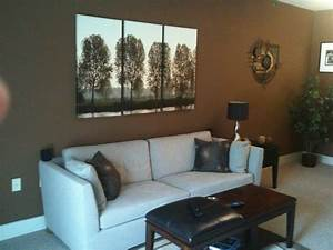 Bachelor needs advice on living room paint color floor for How to paint living room