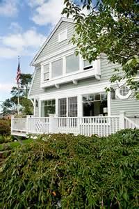 Small Coastal Cottage Interior Designs