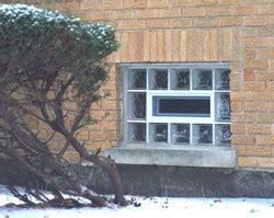 saverbat a 233 ration dans une cloison en briques de verre