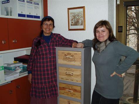 bureau de poste valence meuble en avec caisses à vin tous les messages