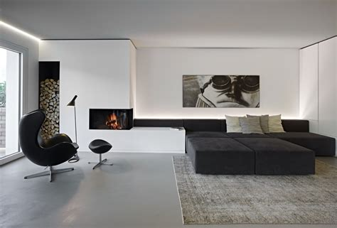 And White Chairs Living Room by 30 Black White Living Rooms That Work Their Monochrome Magic