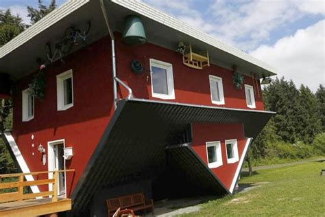 Upside-down House Draws Tourists In Germany