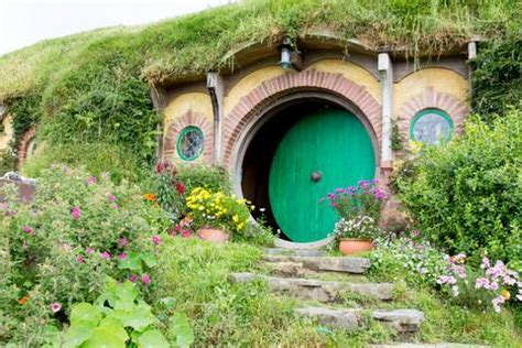 hobbit homes   world   grapevine