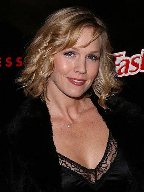 actress kelly taylor original 90210 cast