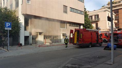 Inps Sede Di Perugia Terni Fumo Denso Dalla Sede Inps Incendio Nell Archivio