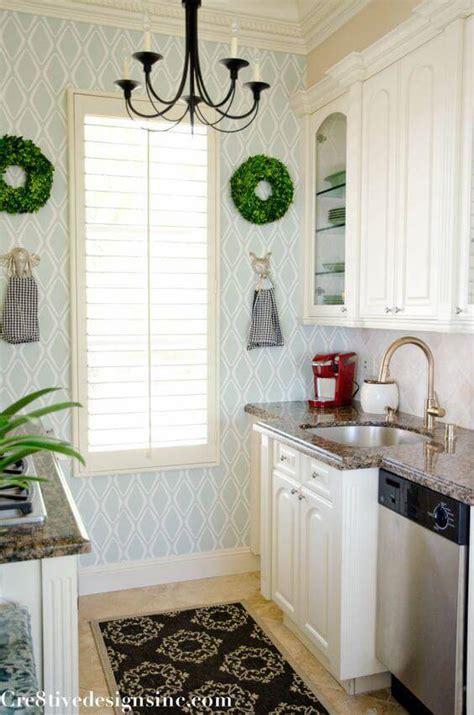 green wallpaper for kitchen papel de parede para cozinha 56 ideias para renovar o 4046