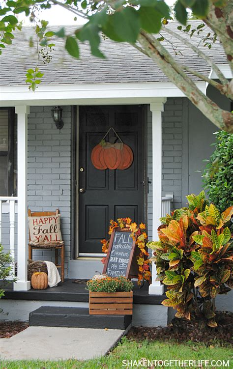 Ideas For Fall Front Porch by 10 Fall Porch Ideas