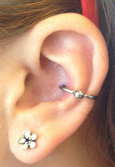 piercing oreille conch piercing conch piercings oreilles tragus h 233 lix industriel piercings piercing cartilage