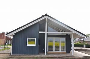 Schwedenhaus Fertighaus Bungalow : blaues ebenerdiges schwedenhaus aus holz thams h user ~ Frokenaadalensverden.com Haus und Dekorationen