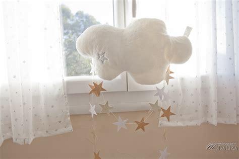 chambre bébé décoration murale stickers chambre bebe nuage