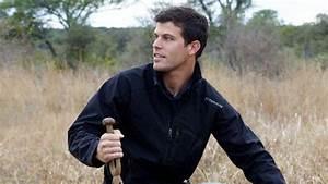 'Bachelorette' contestant Eric Hill dies after paragliding ...